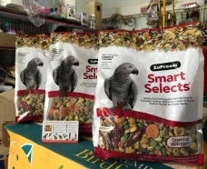 Zupreem smart selects for Parrots & conures
